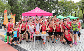 CMB Wing Lung Dragon Boat Team has had a roasted pig cutting ceremony to celebrate the accomplishment of the races.