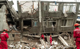 Numerous homes were destroyed by the earthquake. (Photo extracted from newswire)